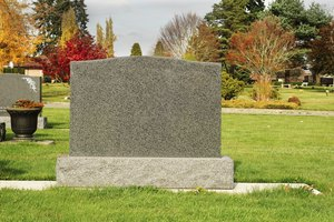 What to Put on a Grave Marker