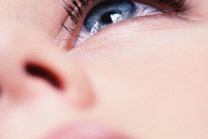 Makeup Tips to Make Your Eyes Appear Brighter, Wider and Bigger