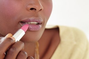 How to Prevent Makeup Transfer to Clothing