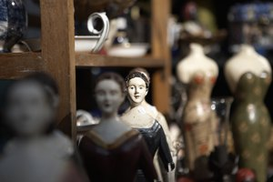 Education for an Antique Appraiser