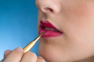 How to Make Homemade Lipstick Sealer
