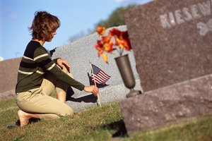 How to Get a Grave Marker for a Veteran