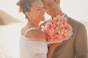 Nurture romantic sparks on your wedding night.