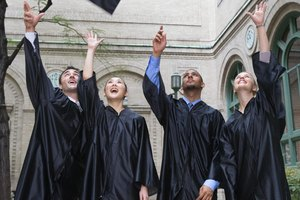 How to List the Majors and Minors on Graduation Announcements