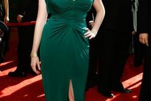 Christina Hendricks shows off the stunning effect of emerald against fair skin.