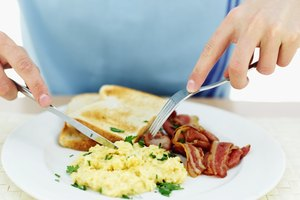 ¿Es saludable comer tocino?