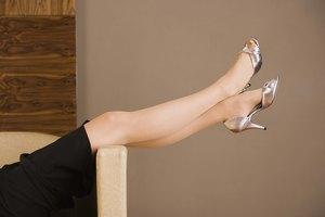 Cómo arreglar los zapatos de tacones altos raspados