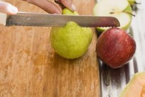 Mix cut apples and pears with citrus fruits to keep them fresh.