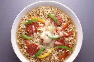 Introduce sliced Chinese sausages to ramen to add new flavor dimensions.