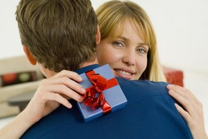 What Is the Traditional Anniversary Gift for 10 Years?