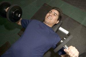 ¿Cuántas calorías se queman durante una hora de entrenamiento en circuitos de alta intensidad?