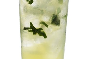 Can You Use Mint Extract in Mojitos?
