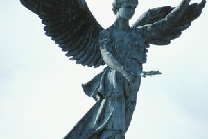 The Difference Between an Angel & Archangel