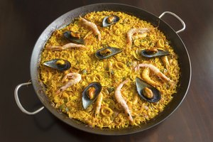 How to Season a Paella Pan