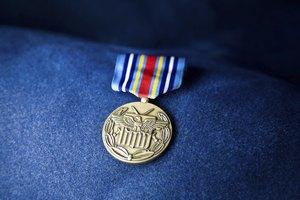 Dress blue bravos badge placement