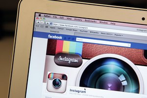How to Add and Optimize a Facebook Event Cover Image