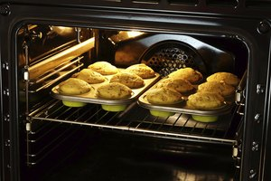 How to Choose the Oven Rack to Cook on