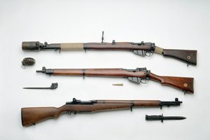 Union Vs. Confederacy Civil War Weapons