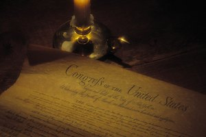 What Part of the US Constitution Outlines the Power & Structure of the Executive Branch?