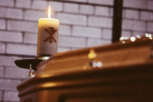 Can a Roman Catholic Funeral Vigil Take Place on a Sunday?