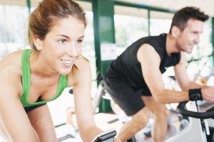 ¿Qué partes del cuerpo trabajan las bicicletas fijas?