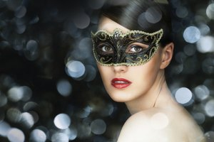 How to Do Your Hair for a Masquerade Ball