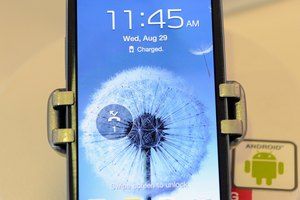 How to Change the Screen Rotation on a Galaxy S III