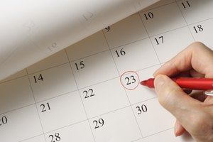What Is the Difference Between Fiscal Year & Calendar Year for a Business?