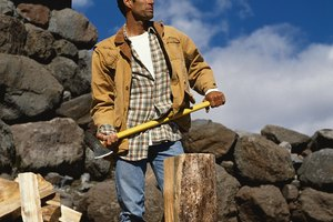 Cortar madera como ejercicio