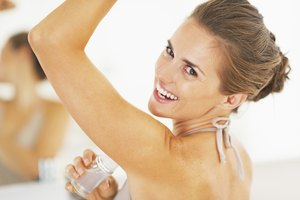 How to Get Deodorant Off the Skin