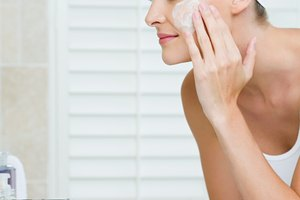 Cómo hacer un exfoliante facial de azúcar en casa