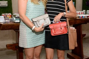 The Difference Between Satchels Vs. Totes