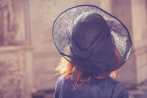 How to Wear a Hatpin