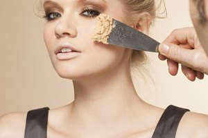How to Charge for Makeup on Photo Shoots