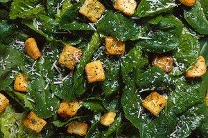 Materia fecal oscura causada por el hierro en la comida