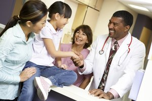 What Courses Should I Take in College to Become a Family Doctor?