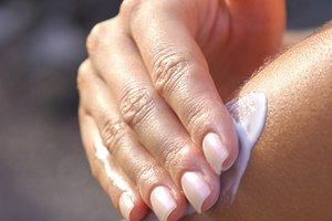 How to Lighten Skin With Bleach