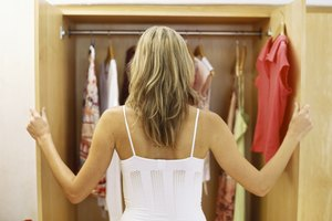 How to Prevent Odors in Stored Clothes
