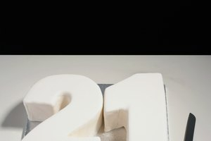 How to Cover a Number Cake With Fondant