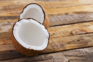 How to Tell if a Coconut Is Rancid