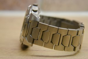 how to clean a smelly metal watch band