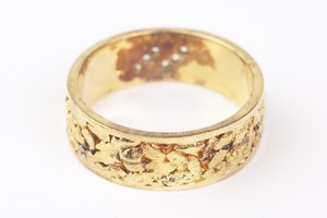 How to Keep Gold Filled Jewelry From Tarnishing