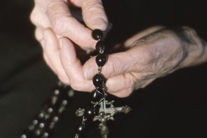 Who Attends the Rosary for a Funeral?