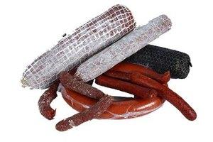 Venison sticks resemble slender pepperoni.