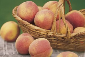 What Fruits Go Well With Peaches?