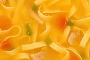¿Es saludable la sopa de fideos con pollo?