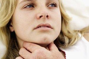 Cómo deshacerte de una glándula inflamada en la garganta