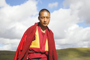 How to Greet a Tibetan Buddhist Monk