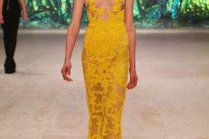 Natural makeup perfectly complements a bold and bright yellow dress.