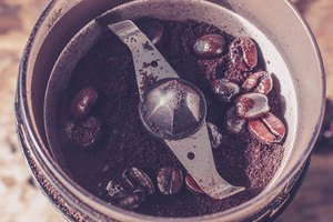 How to Grind Coffee Beans in a Food Processor